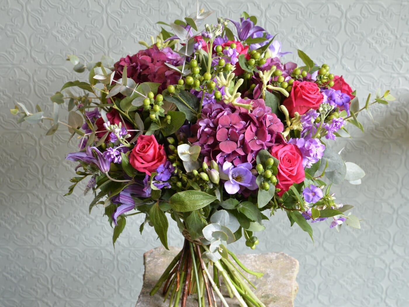 Flowers and macarons gift set kensington flowers photo izmirmasajfo