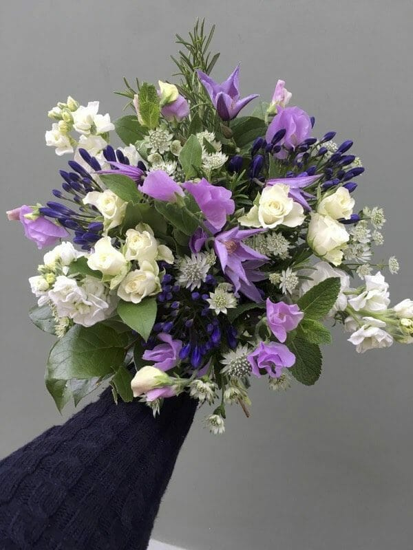 Photo showing a sample ofKF Studio choice bouquet