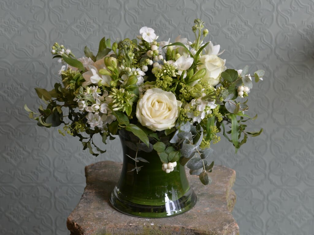 Scented garden vase arrangements kensington flowers for Garden arrangement
