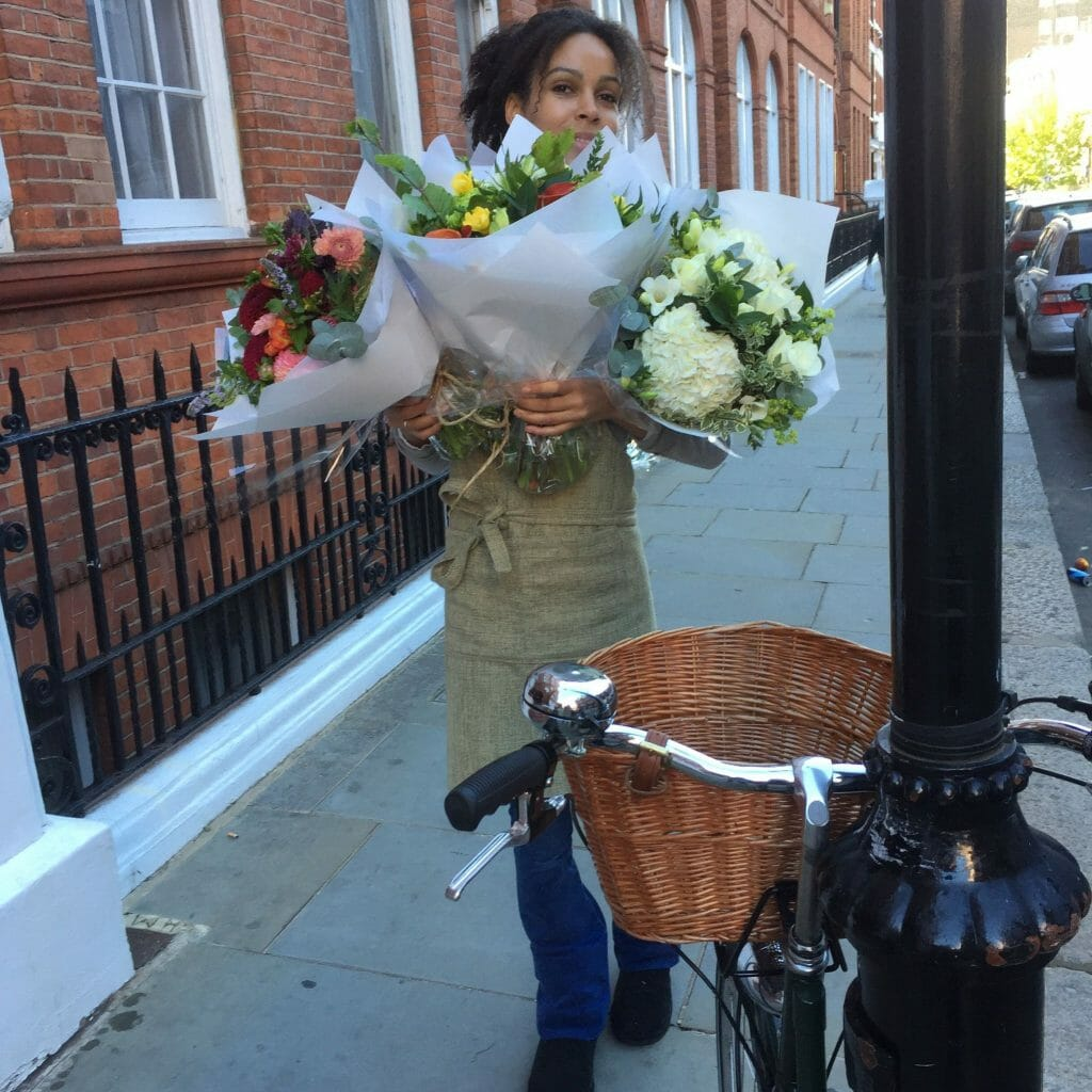 Flower delivery in Kensington and Chelsea by Kensington flowers London